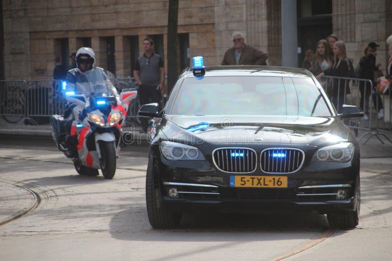 Véhicules et moteurs du marechaussee de Koninklijke, la police militaire néerlandaise image libre de droits