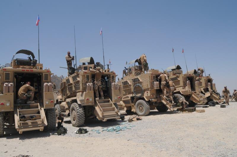 Véhicules militaires en Afghanistan photo stock