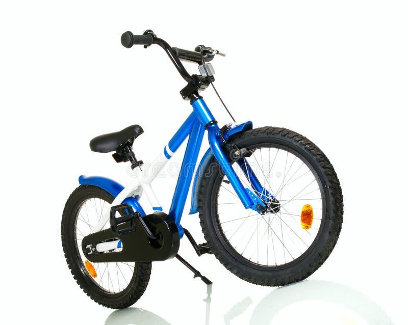 Vélo d'enfant avec la réflexion photographie stock