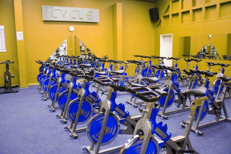Vélo de rotation de forme physique image libre de droits