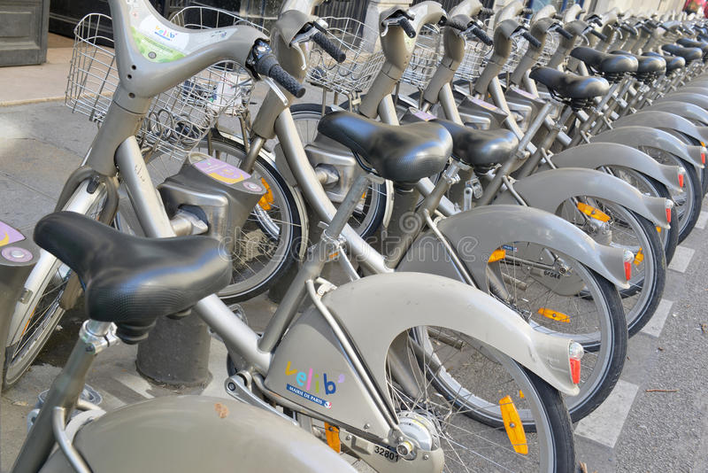Vélo de Velib, un programme de part de bicyclette à Paris images libres de droits