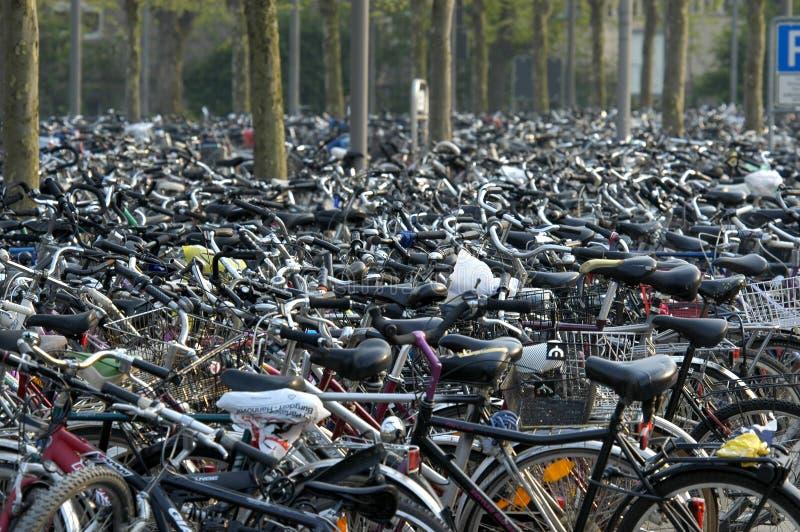 Download Vélos photo stock. Image du économie, énergie, transport - 744494
