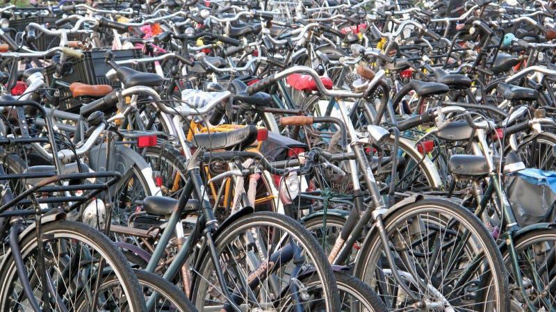 Vélos d'Amsterdam image stock