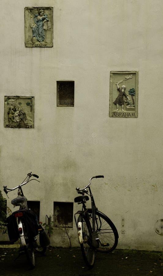 Vélos d'Amsterdam image libre de droits