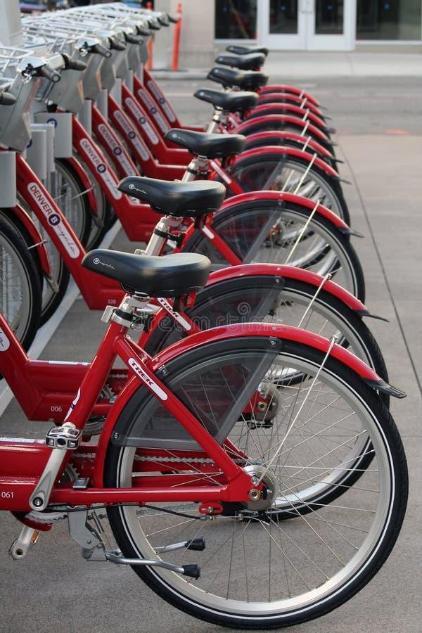 Vélos de location photographie stock libre de droits