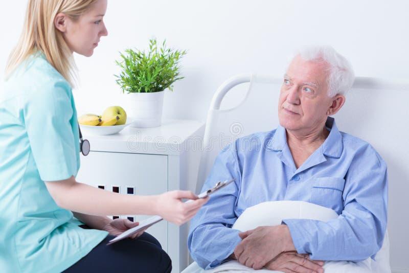 Vérification des antécédents médicaux photo stock