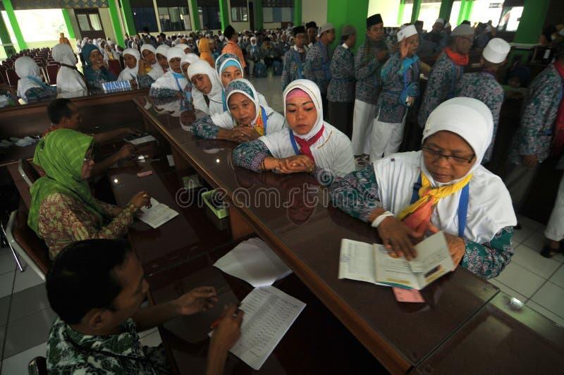 Vérification des passeports des pèlerins photo libre de droits