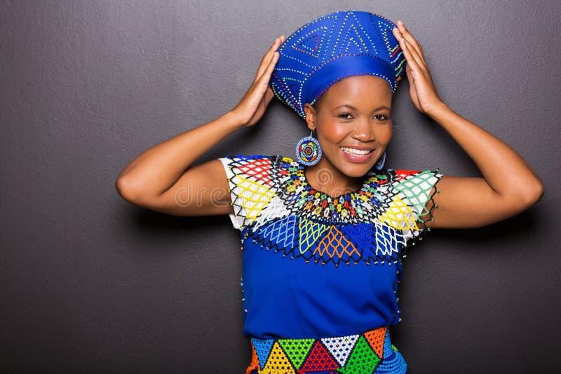 Vêtement traditionnel modèle africain photo stock