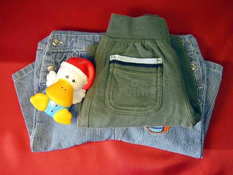 Vêtements d'enfants image libre de droits
