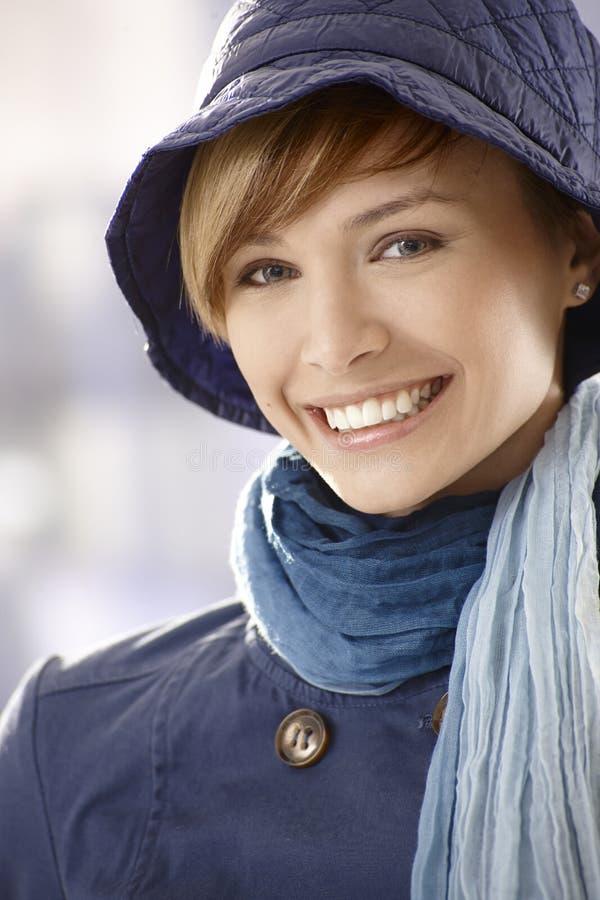 Vêtements de jeune femme au printemps photos stock