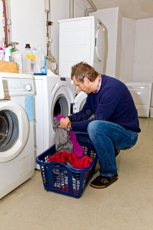 Vêtements de lavage d'homme photo libre de droits
