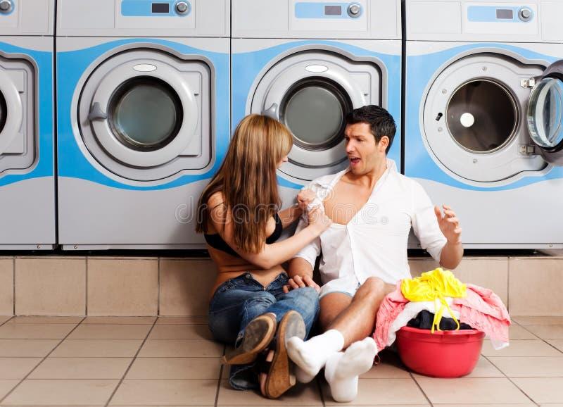 Vêtements de lavage de blanchisserie photographie stock libre de droits