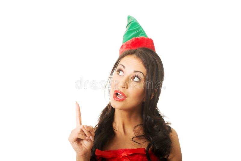 Vêtements de port étonnés d'elfe de femme se dirigeant  photographie stock libre de droits