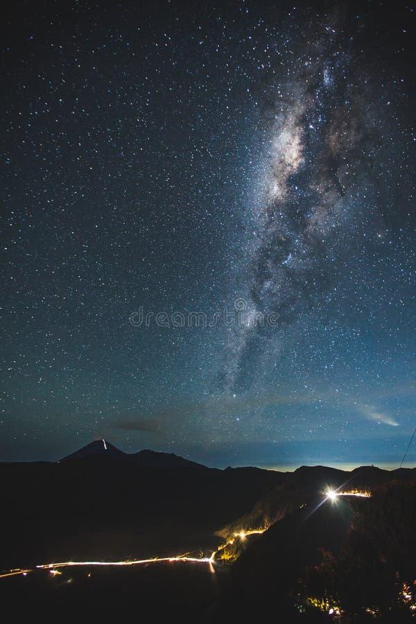Vía láctea en Bromo imagen de archivo