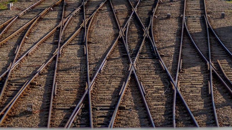 Vía nudosa del tren fotografía de archivo