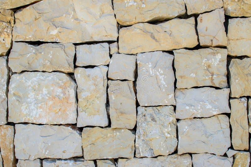 V?gg av stora stenar royaltyfri foto