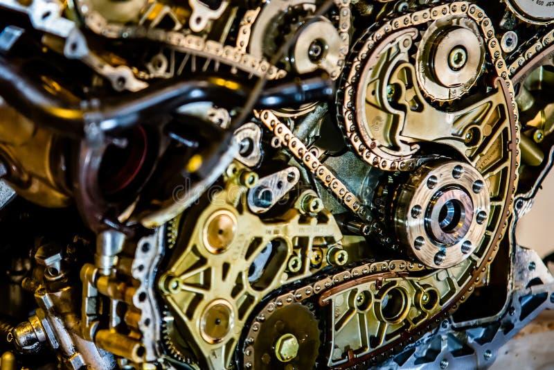 V8 motor uit op herbouwd te worden hijstoestel royalty-vrije stock foto