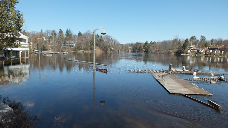 V?rflod i Huntsville, Ontario, 2013 arkivfoto