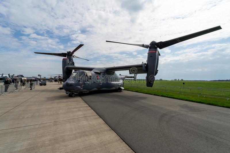 V/STOL军事运输航空器响铃波音V-22白鹭的羽毛 库存图片