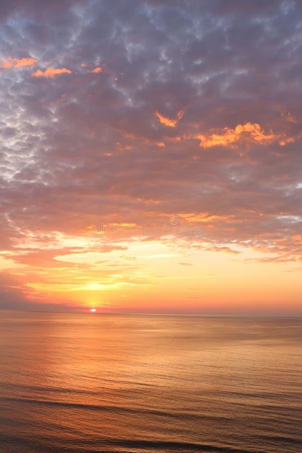 Va plaży wschód słońca widok zdjęcie royalty free