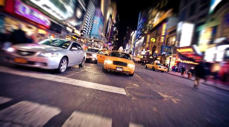 Vaag beeld van gele taxicabine in New York