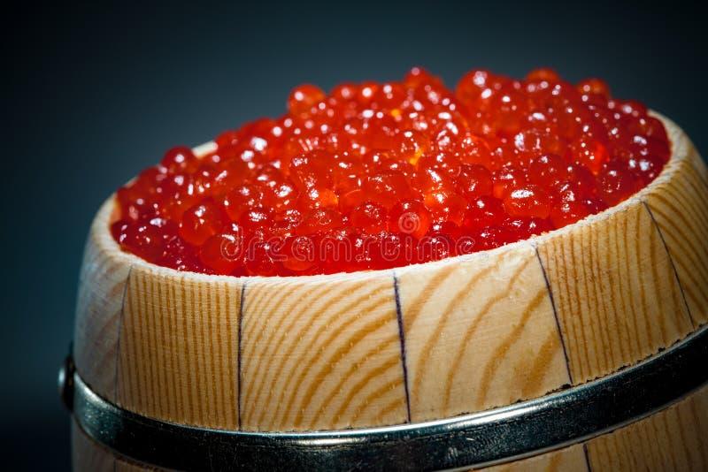 Vaatje van rode kaviaar royalty-vrije stock afbeeldingen