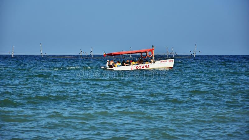 Vacaciones de verano en el Mar Negro, centro turístico Costinesti, Rumania imagenes de archivo