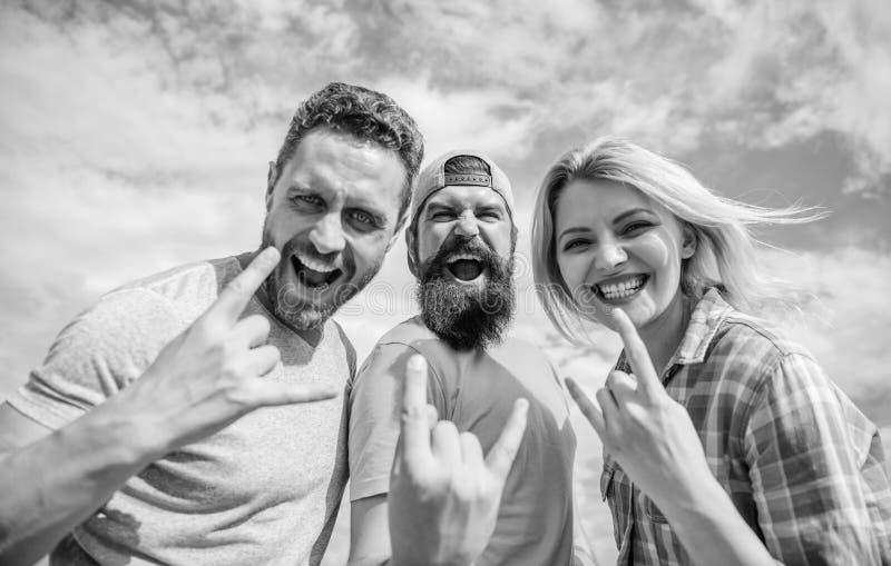 Vacaciones y afici?n Festival famoso de la visita durante vacaciones Heavy para siempre Festival de m?sica rock Fans de metales p foto de archivo