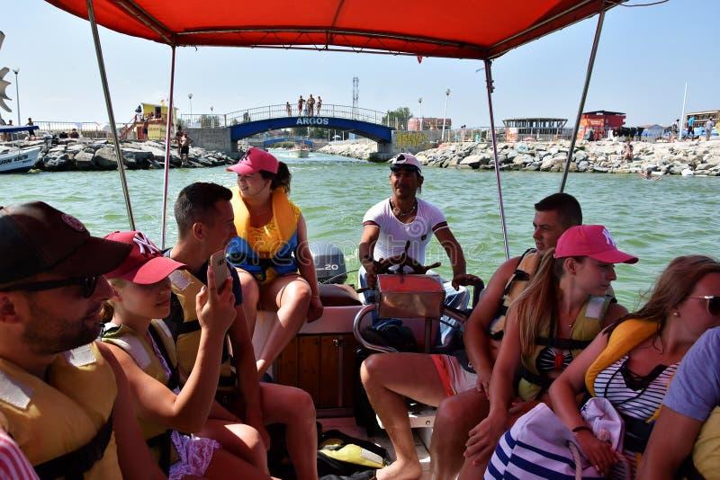 Vacances d'été chez la Mer Noire, station de vacances Costinesti, Roumanie image stock