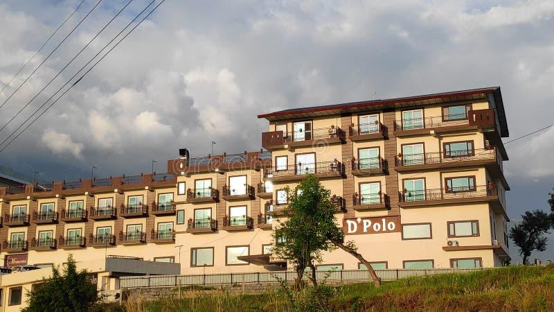 Vacances de l'Himalaya de vacances de tourisme de voyage de vue de l'Inde de kangra de Dharamshala d'hôtel de Dpolo photographie stock libre de droits