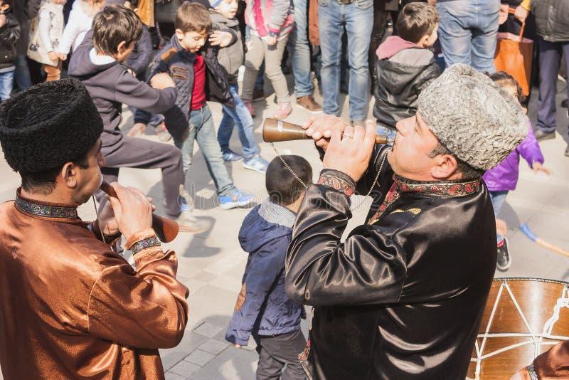 Vacances de Novruz Bayram dans la capitale de la République de l'Azerbaïdjan dans la ville de Bakou 23 mars 2017 photographie stock libre de droits