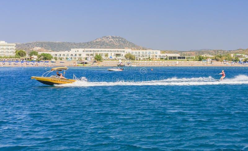 Vacances en mer Faliraki Île de Rhodes La Grèce images libres de droits