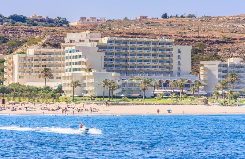 Vacances en mer La station de vacances de Faliraki Île de Rhodes La Grèce photos libres de droits