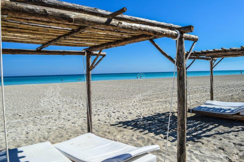 Vacances rêveuses de plage au Cuba image stock