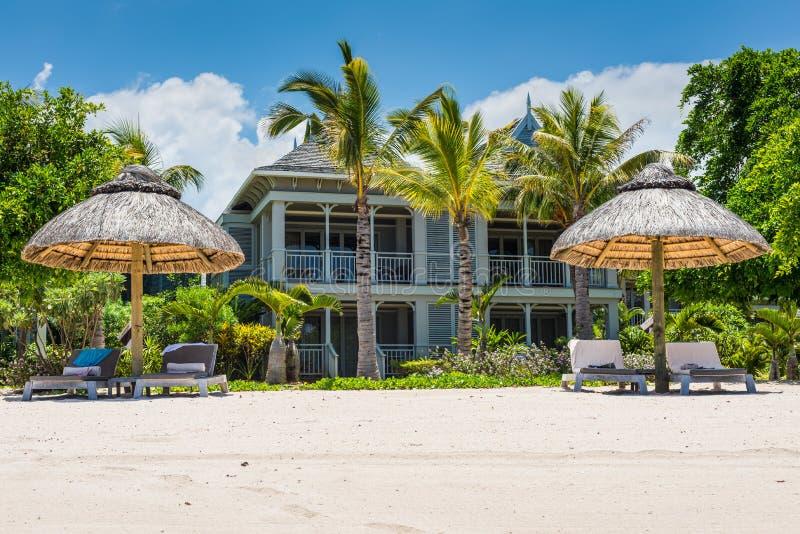 Vacances tropicales de luxe Île des Îles Maurice - le Morne Beach image libre de droits