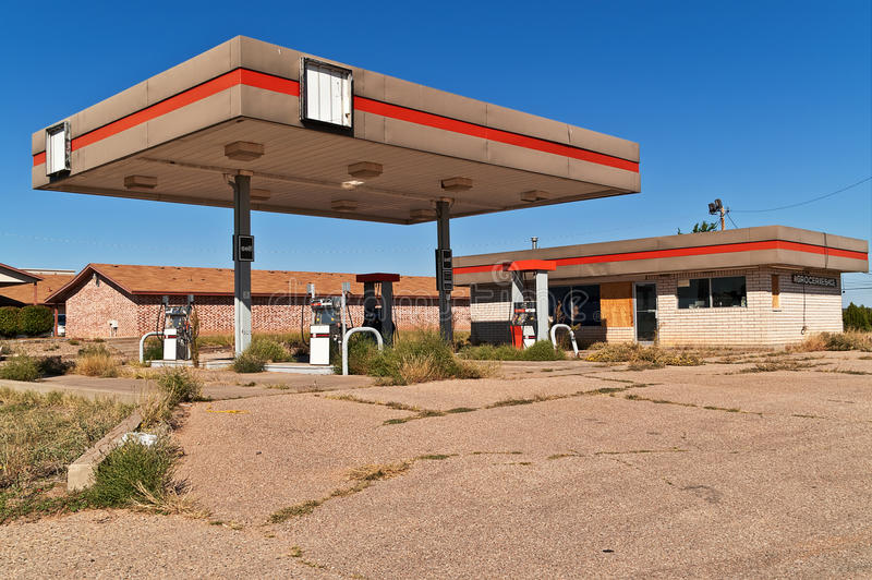 Download Vacant Service Station Royalty Free Stock Image - Image: 23409036