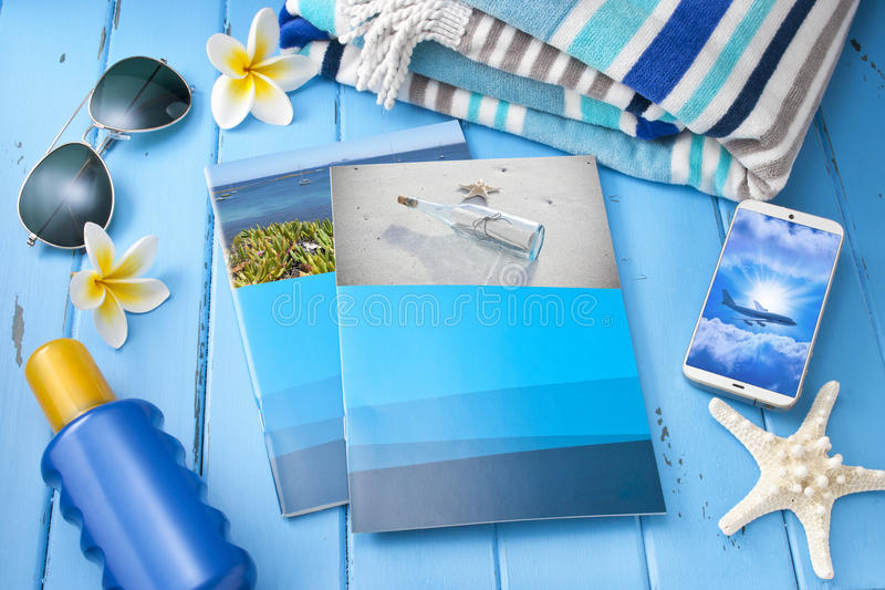 Vacanza dell'opuscolo di viaggio tropicale immagine stock