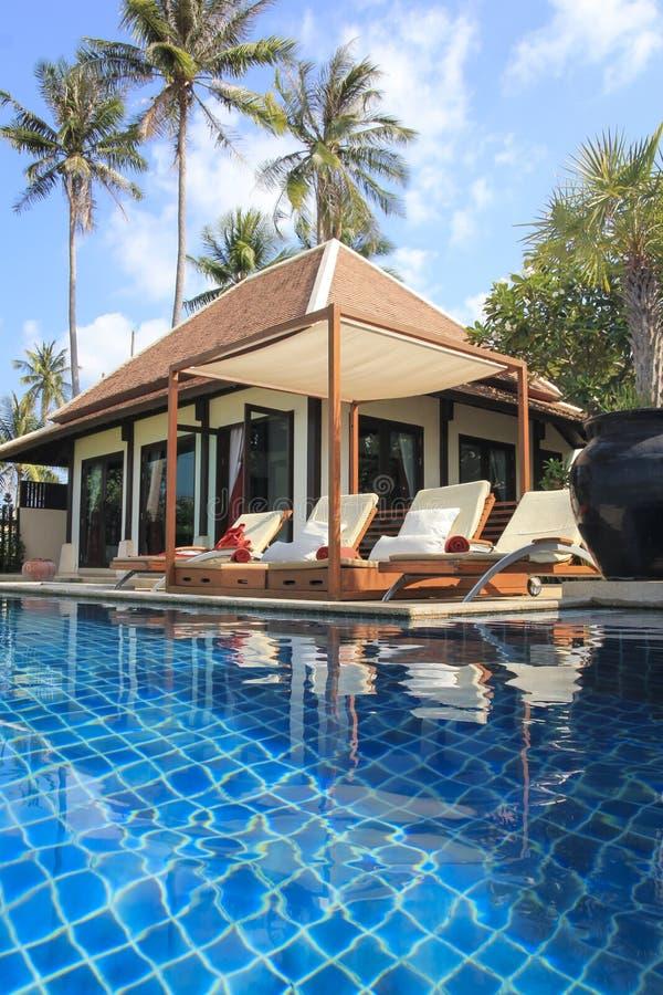 Vacanza Tailandia della spiaggia di samui di ko della villa dello stagno fotografia stock libera da diritti