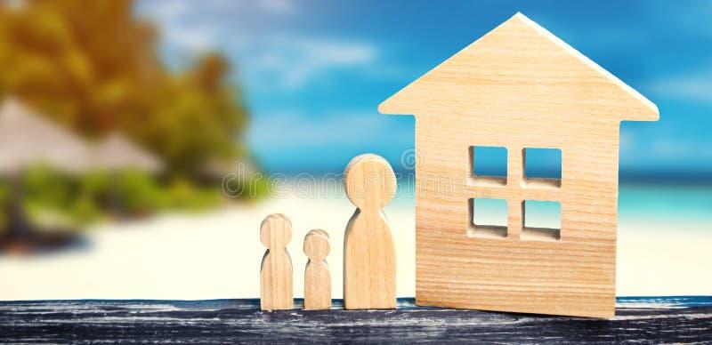 Vacation con la famiglia, casa sul mare, ricorrono bene immobile, spiaggia sabbiosa, i paesi caldi, la costa calda di giri, del m fotografia stock