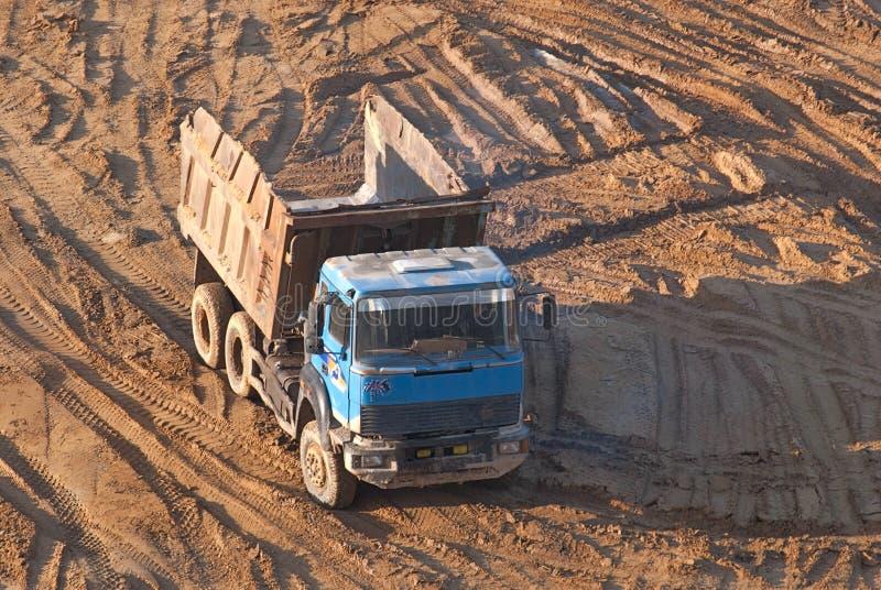 Vaciado-camión. foto de archivo libre de regalías