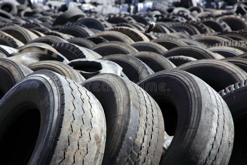 Vaciado de neumáticos imagen de archivo