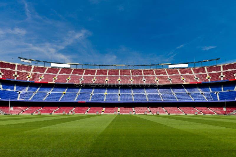 Vacie el estadio de fútbol fotos de archivo libres de regalías