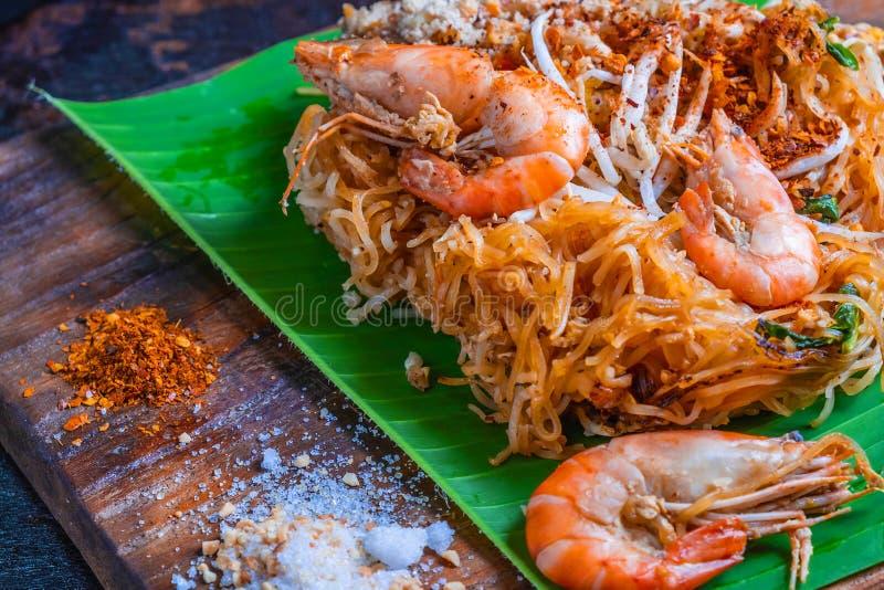 Vaddera thailändsk läcker thailändsk mat på tabellen royaltyfri bild
