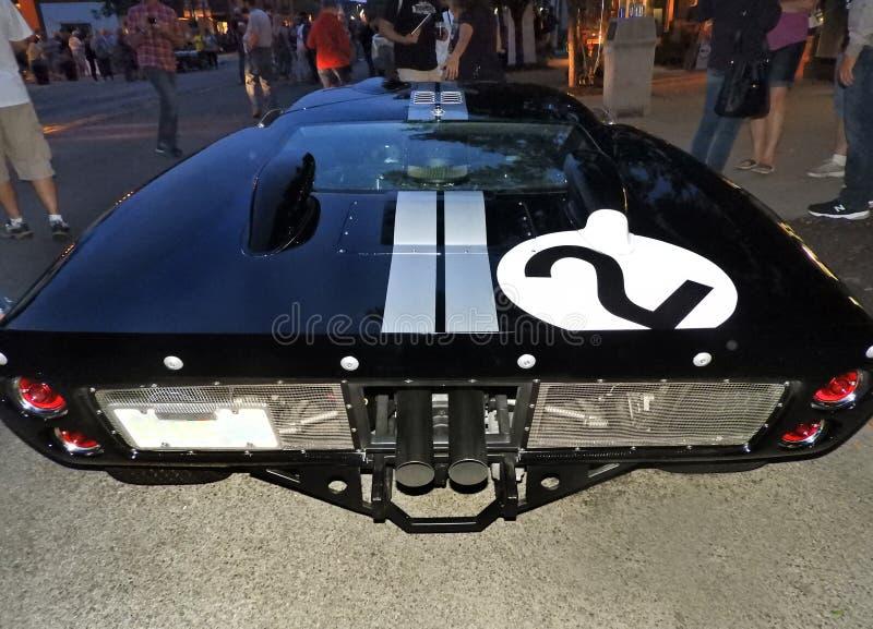 Vadear a opinião luxuosa da parte traseira do carro de esportes da edição GT40 limitada fotos de stock