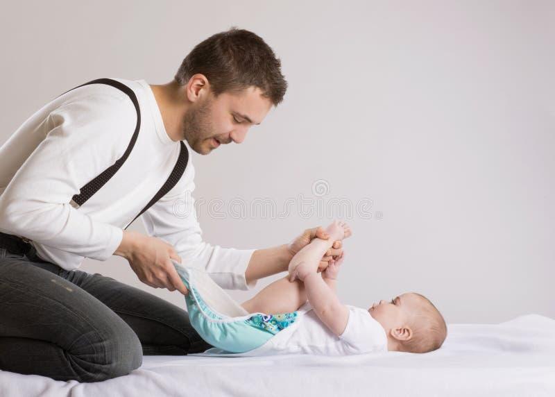 Vader en baby royalty-vrije stock afbeeldingen