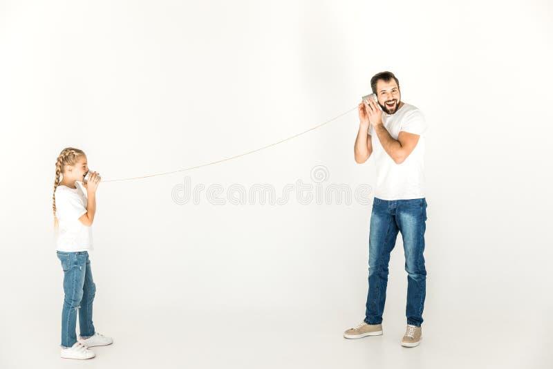 Vader en dochter die samen spelen royalty-vrije stock afbeelding
