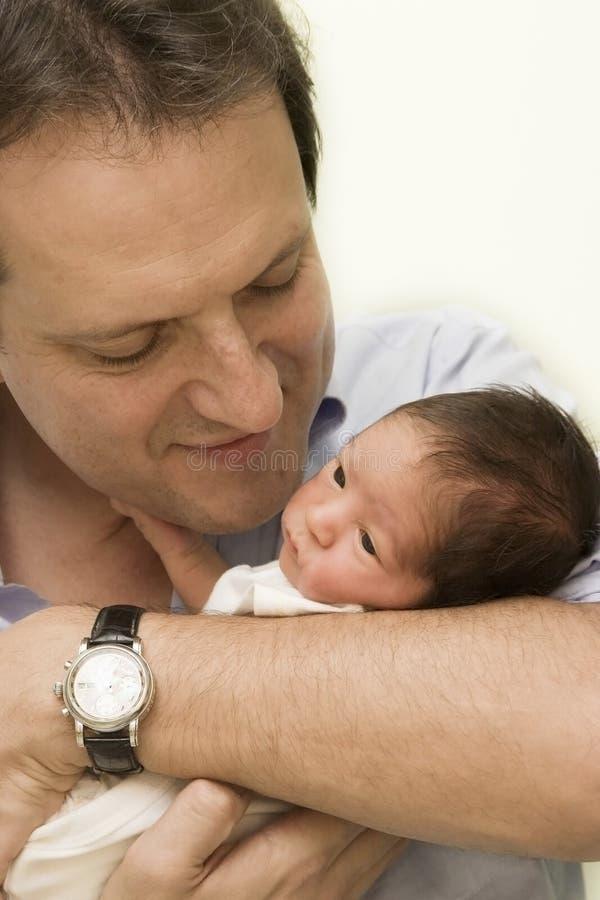 Vader en Pasgeboren baby royalty-vrije stock afbeelding