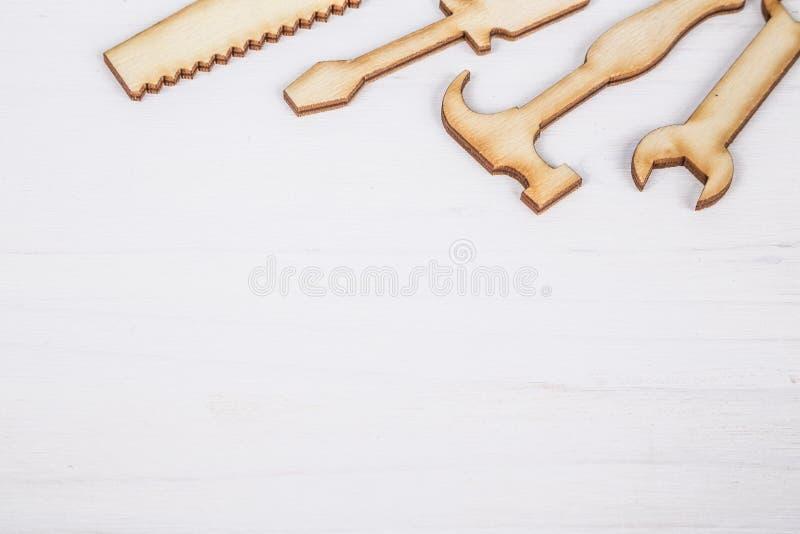 Vaderdagmalplaatje met houten tol royalty-vrije stock foto's