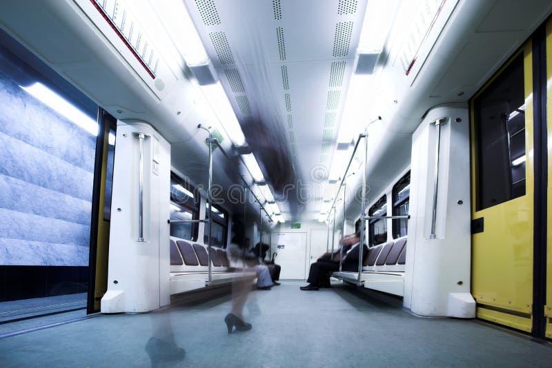 Vagão do trem no metro de Moscovo fotografia de stock royalty free