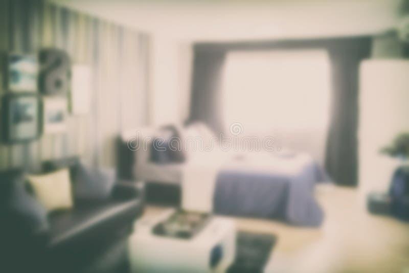 Vage slaapkamer als achtergrond met bank royalty-vrije stock foto's